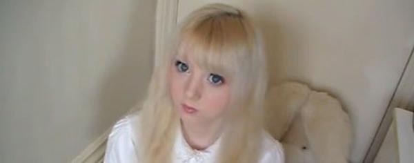 ویدیو و عکس ونوس پالرمو ستاره بحث برانگیز جدید یوتوب : دختر 15 ساله ای که شبیه یک عروسک زنده است