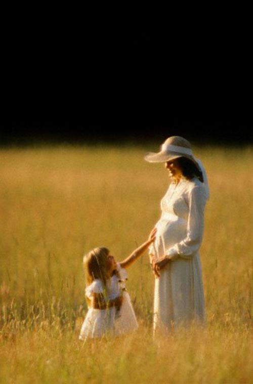 تاثیر خویشان و وابستگان و همکاران بر بارداری چشم و هم چشمی