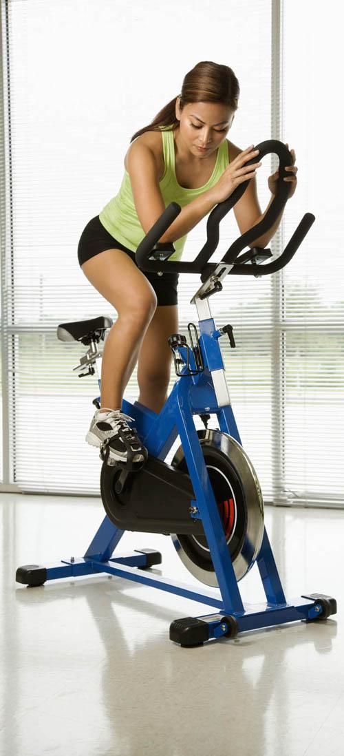 کاهش اشتها با دوچرخه سواری و طناب زدن