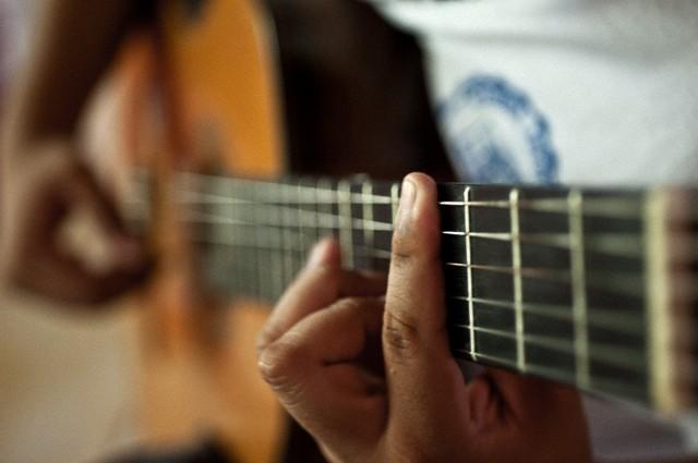 داونلود رایگان زنگ موبایل گیتار