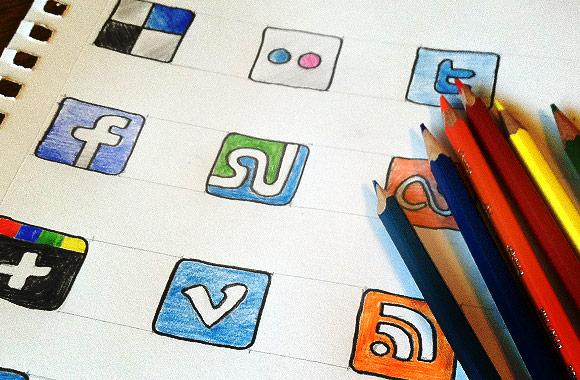 داونلود آیکون طرح نقاشی شبکه های اجتماعی