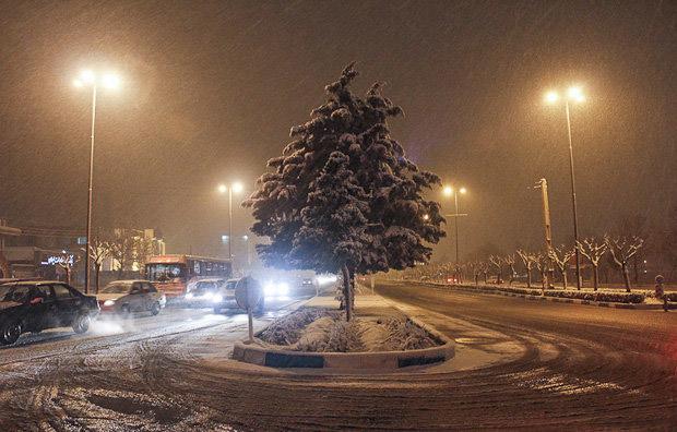 کولاک و بارش تگرگ و کاهش بیش از 15 درجهای دما در کشور