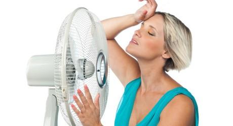 گر گرفتگی یک حالت ناخوشایندی است که با احساس گرمای بیش از حد خود را نشان میدهد و به دلیل کاهش میزان استروژن به وجود میآید