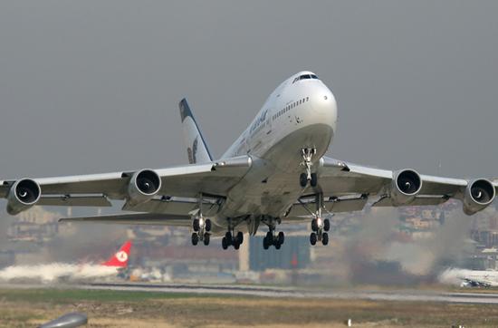 بلیت هواپیما در مسیرهای مختلف همچون قیمتهای مصوب قبلی فروخته میشود