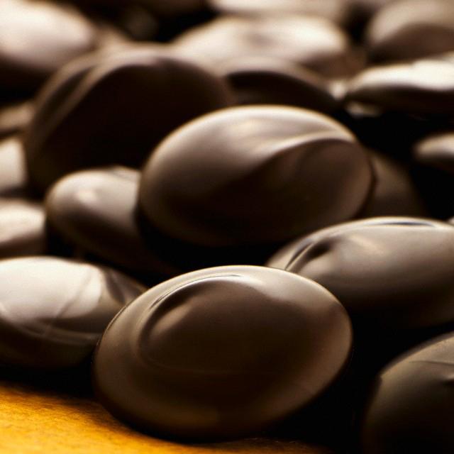کاکائو در واقع یکی از مواد غذایی سرشار از فلاونوئید و به ویژه آنتی اکسیدان کاتچین است