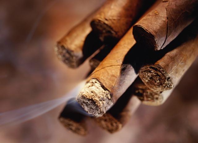 سیگار و الکل بویژه وقتی با هم استفاده میشوند خطرناکترند